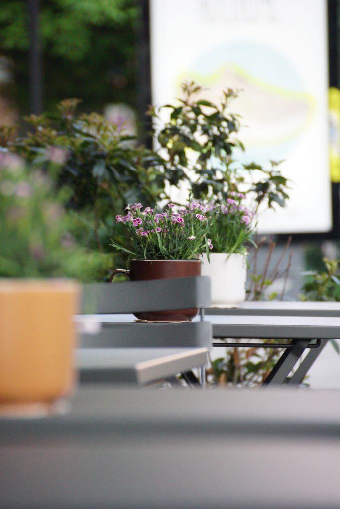 Straßenkaffe Brera Mailand Tisch