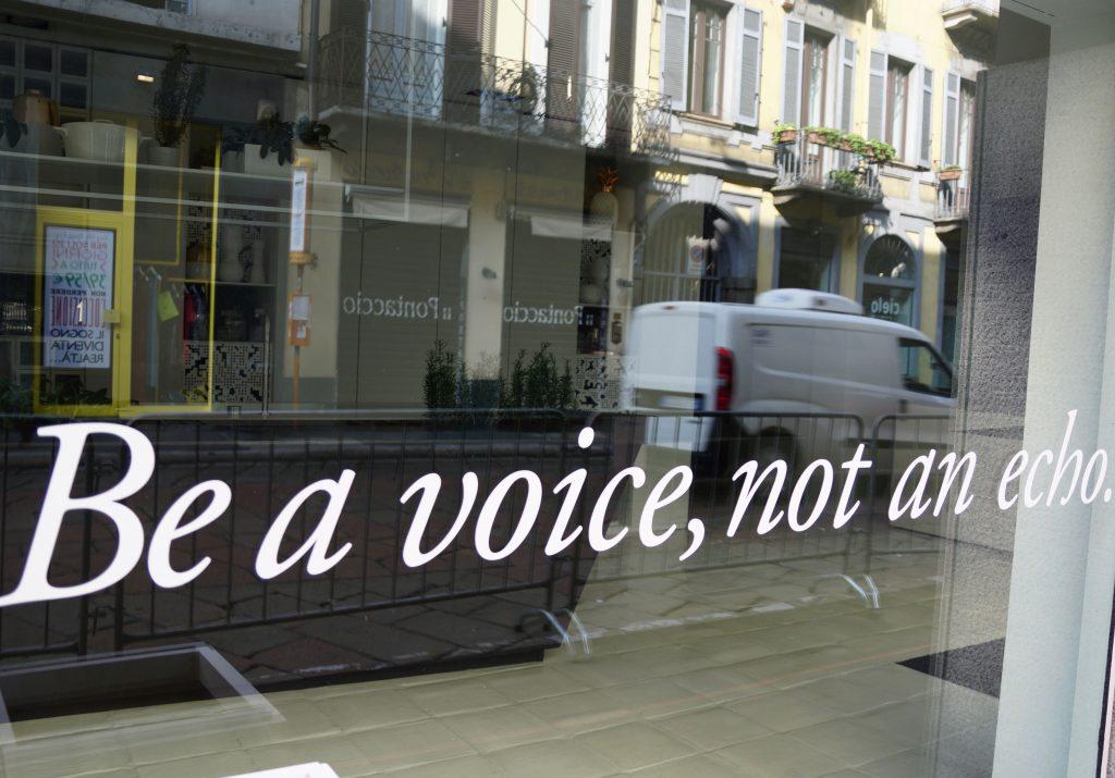 Designerherz von Mailand Design Mailand voice, not an echo