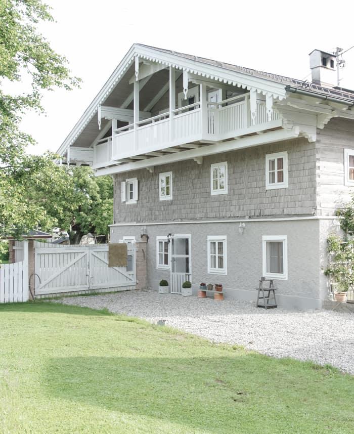 maler huset Gammelt hus får ny maling