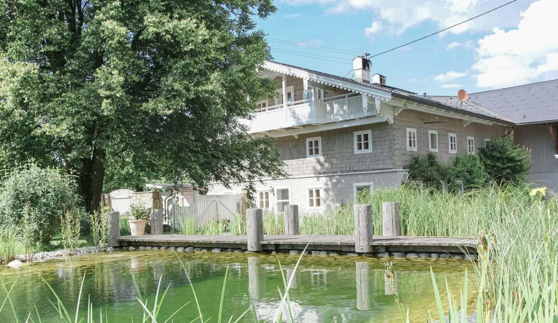 Maler huset gammelt tradisjonelt hus tre