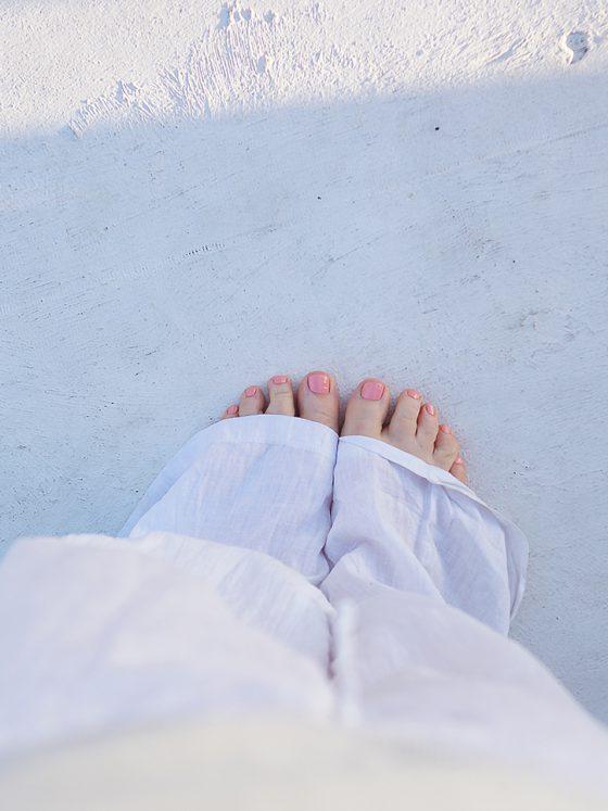 Travel Feets white