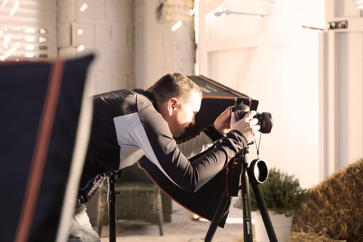 Behind the Scenes: En bildeserie av en ovn og andre fotomodeller