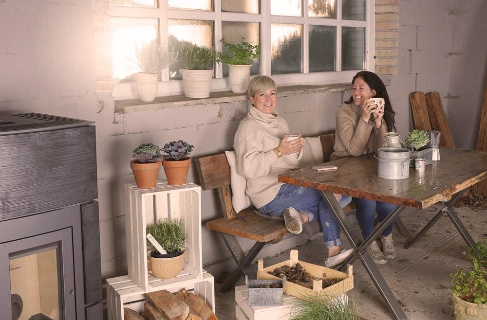 En bildeserie av en ovn og andre fotomodeller