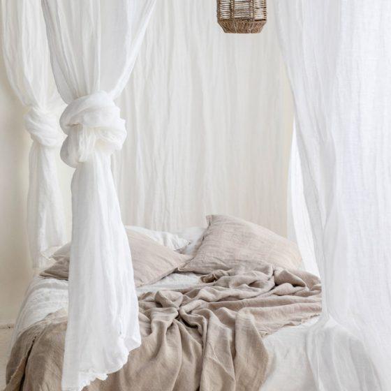 Gardiner og sengetøy i lin
