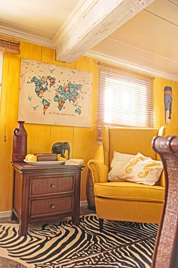Holzbild im Schlafzimmer