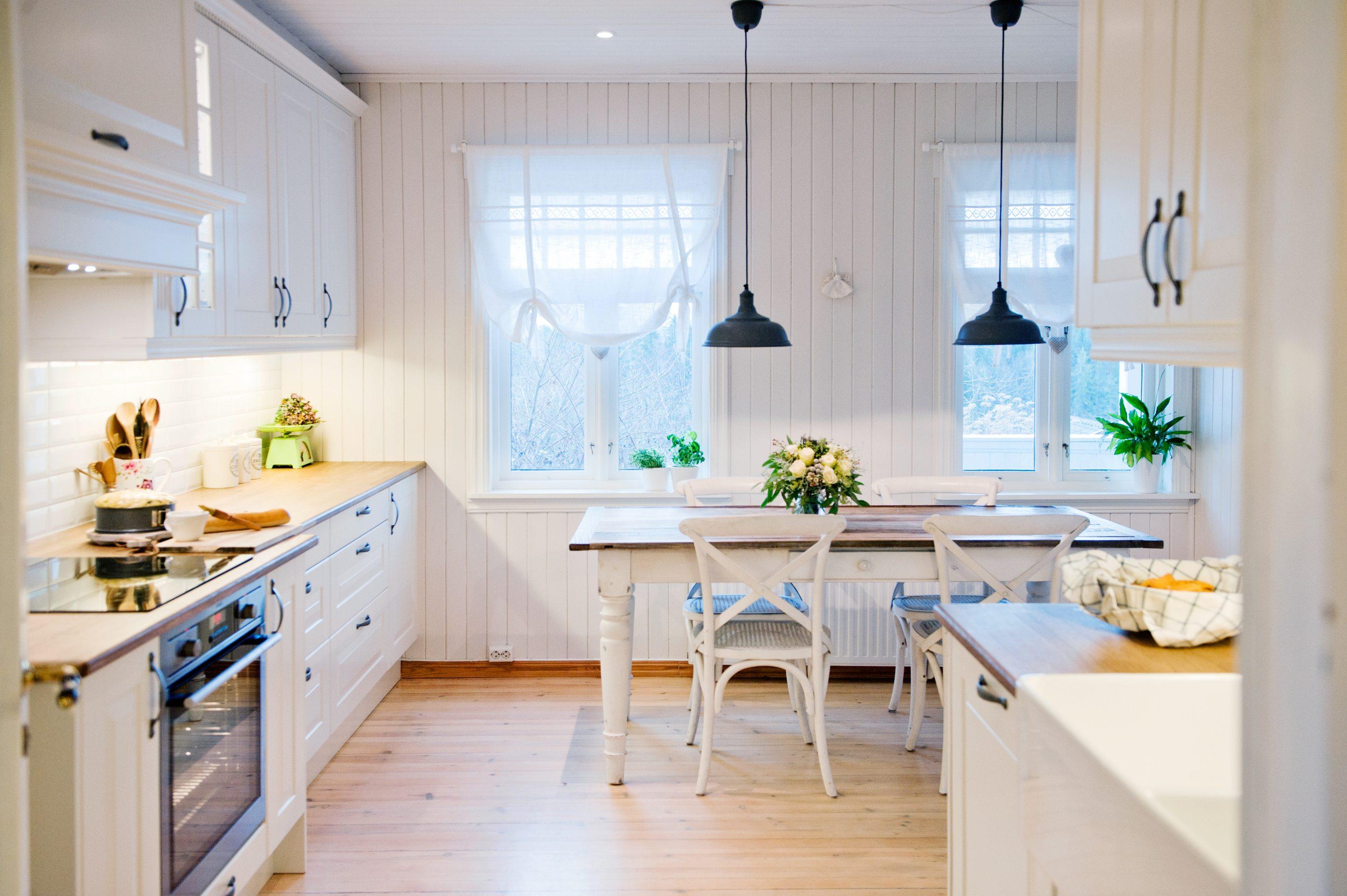 Landlig kjøkken i skandinavisk stil