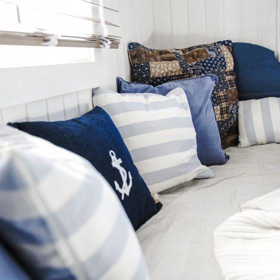 Maritimt soverom, blått og hvit, innredningsideer, før og etter biler