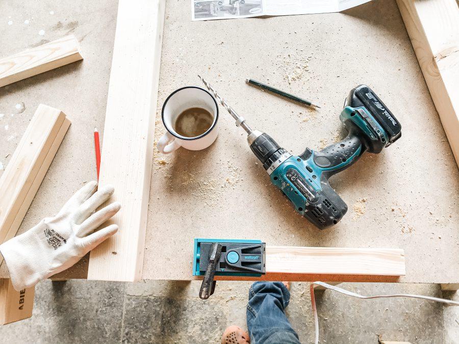 DIY, gjøre det selv, lage egne møbler, pusse opp soverommet