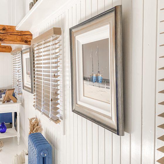 Hvite vegger, soveromsdekorasjon, innredning, før og etterbilder