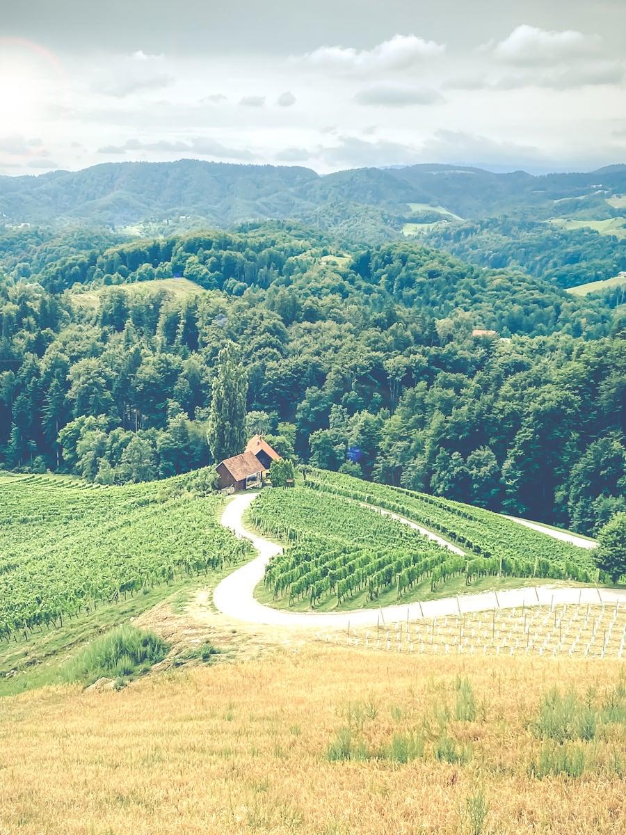 Hjerteveien Slovenia heart shaped road