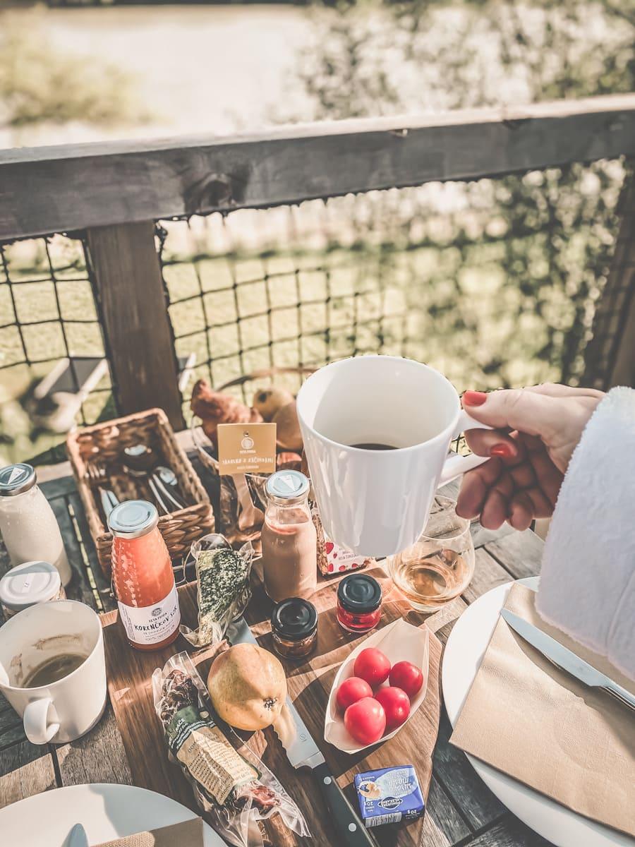 clamping breakfast utendørs