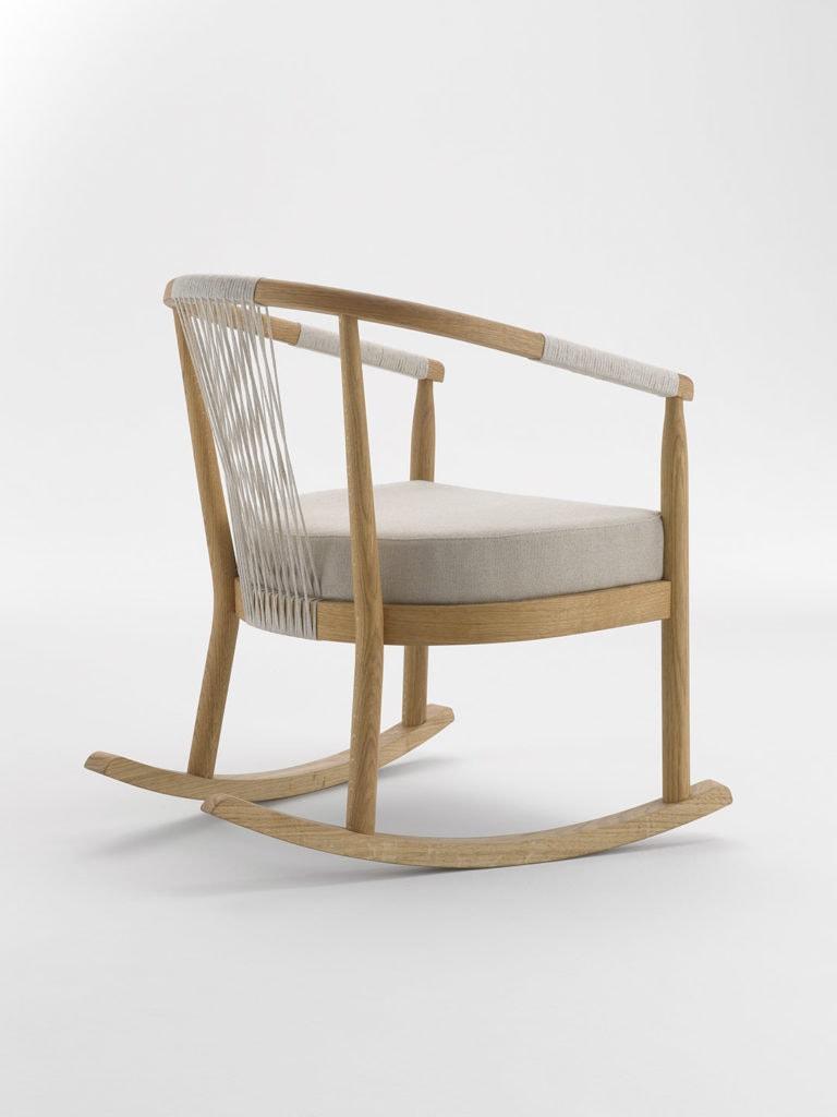 Sessel aus Holz und Hanf